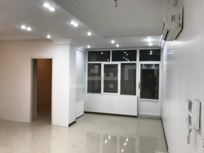 فروش دفتر کار اداری 68 متری، تهران، ونک، ونک
